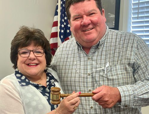 Passing of the Gavel – Creekmore to Shaw